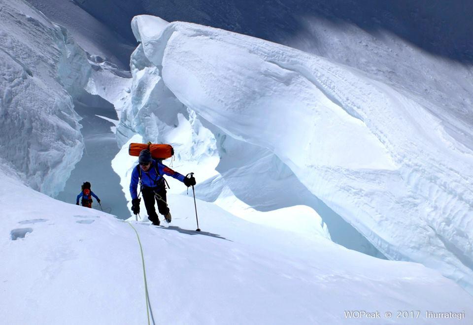 Photo of Traversata Gasherbrum: cambiano i piani per i baschi