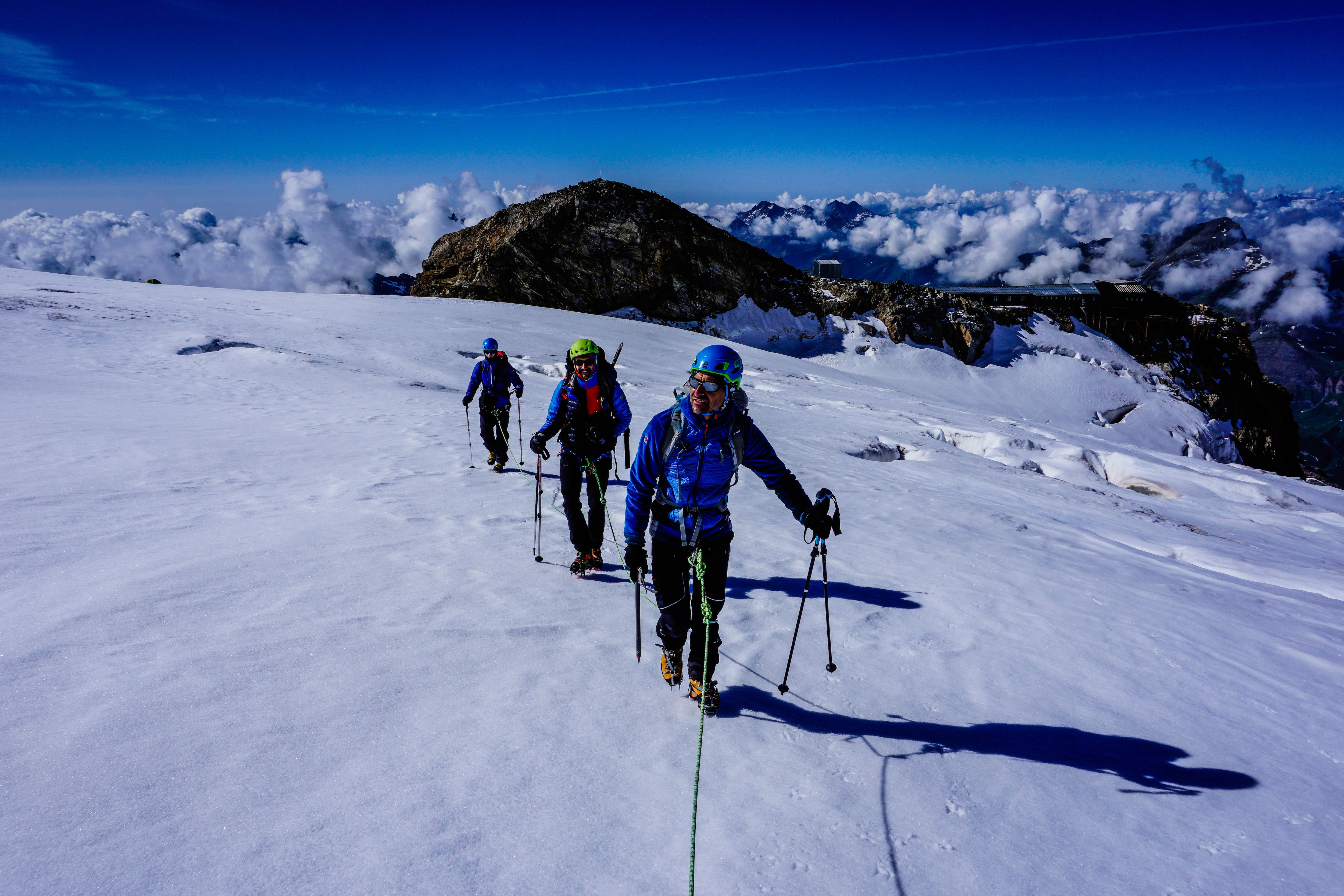 Photo of Le tecniche di progressione in cordata – Video tutorial alpinismo su ghiacciaio