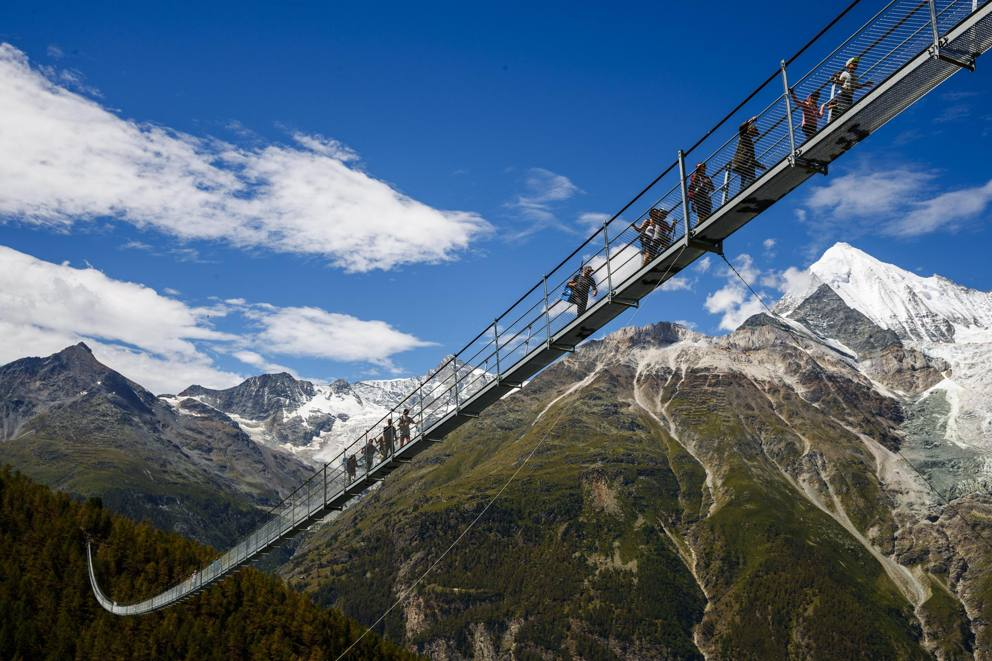 Photo of In Svizzera il ponte sospeso più lungo del mondo