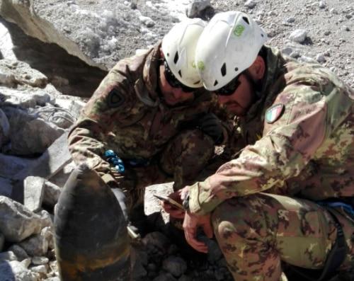 Photo of I ghiacciai restituiscono tre corpi sul Monte Bianco e una bomba sulla Marmolada