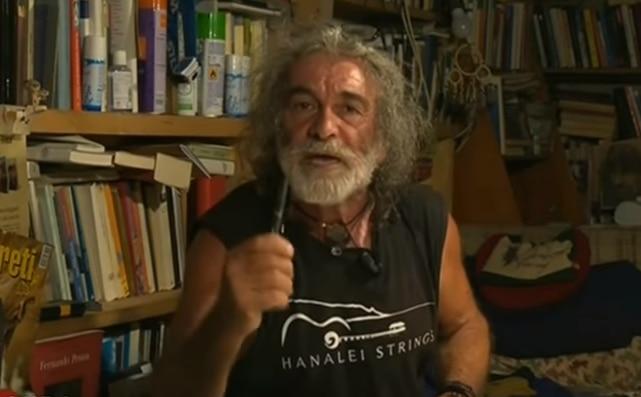 """Photo of Mauro Corona ritorna sui suoi passi: """"Ora gli offrirei una birra"""""""