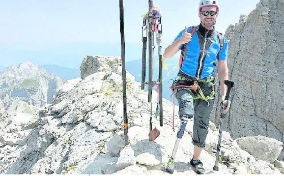 Photo of L'impresa di Gianluigi Rosa: scala il Campanil Basso con una protesi alla gamba