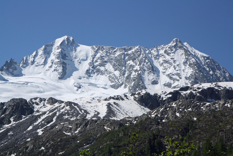 Photo of Incidente sulla Presanella: muoiono due alpinisti, nove le persone coinvolte