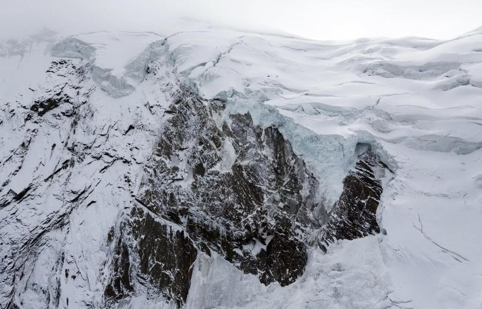 Photo of Svizzera: si stacca un seracco dal ghiacciaio del Trift, evacuato un villaggio