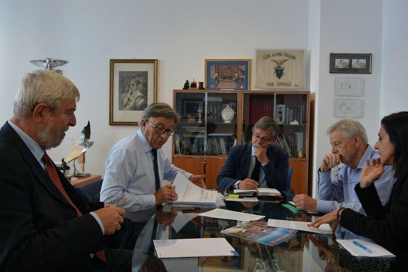 Photo of Il Club Alpino italiano, tedesco ed austriaco contro la UIAA