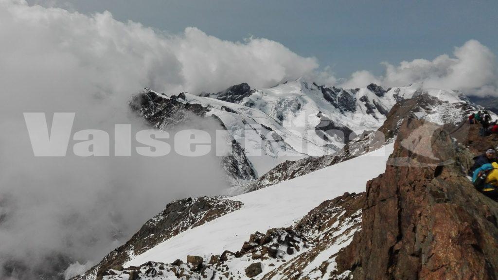 Photo of Sulla cima del Vioz a 3645 metri, quando il cielo si fa più vicino