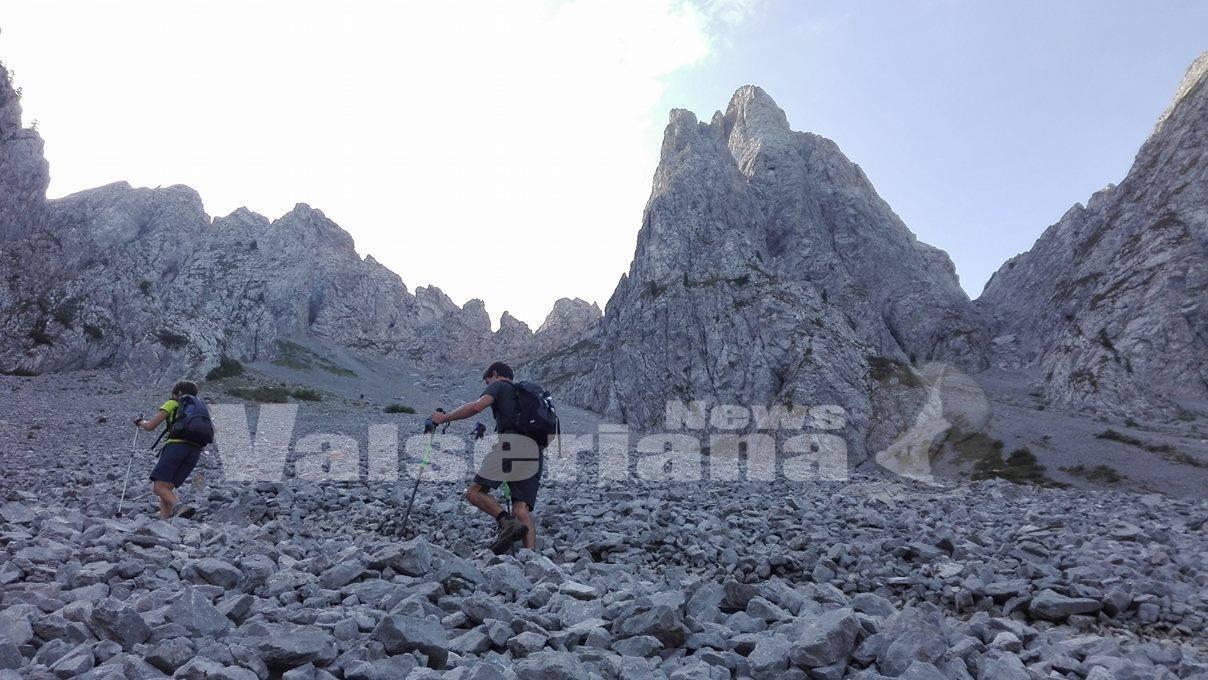 Photo of Dal Cimon della Bagozza a 2407 metri ammirando la Val di Scalve