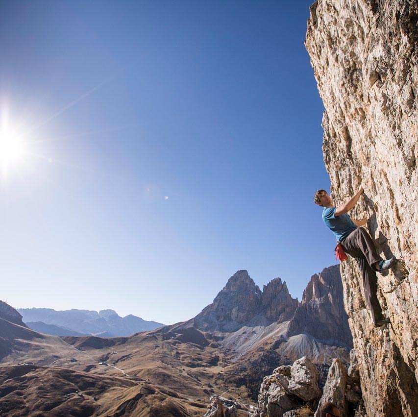 Photo of Questioni di minuti: Alex Honnold vuole riprendersi il record di velocità a El Capitan