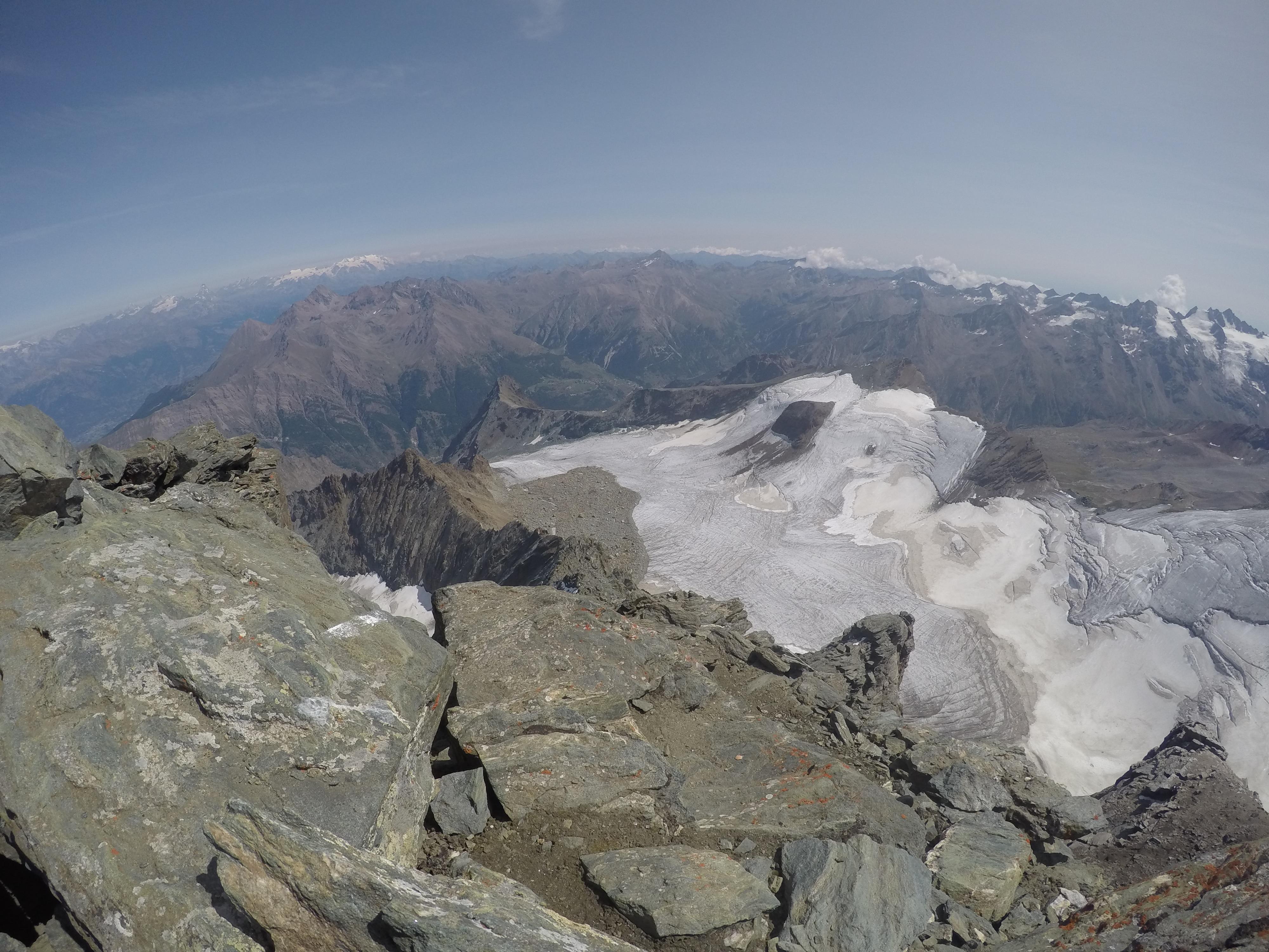 Photo of Gran Paradiso: il ghiacciaio di Monciair arretra di 63 metri, quello del Trajo di ben 69