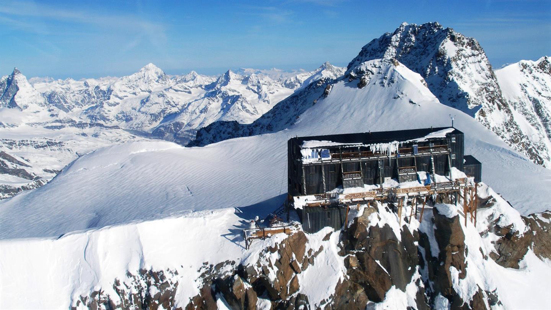 Photo of Il termometro torna sopra lo zero alla Capanna Margherita sul Monte Rosa
