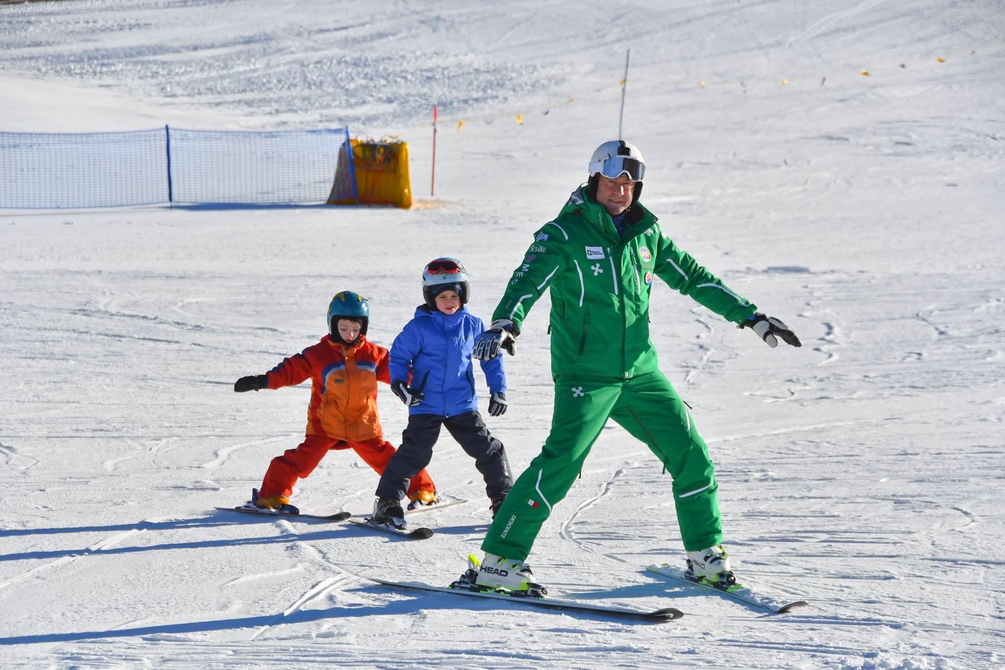 Photo of In Lombardia una giornata per imparare a sciare gratuitamente con i maestri