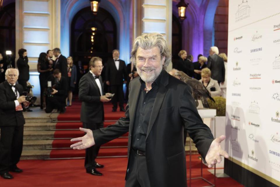 """Photo of Reinhold Messner """"Leggenda dello Sport"""""""