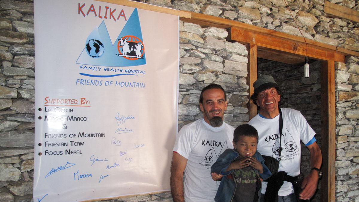 Photo of Marco Zaffaroni ci racconta la storia del Kalika Hospital, l'ospedale in Dolpo voluto da lui e Mario Merelli