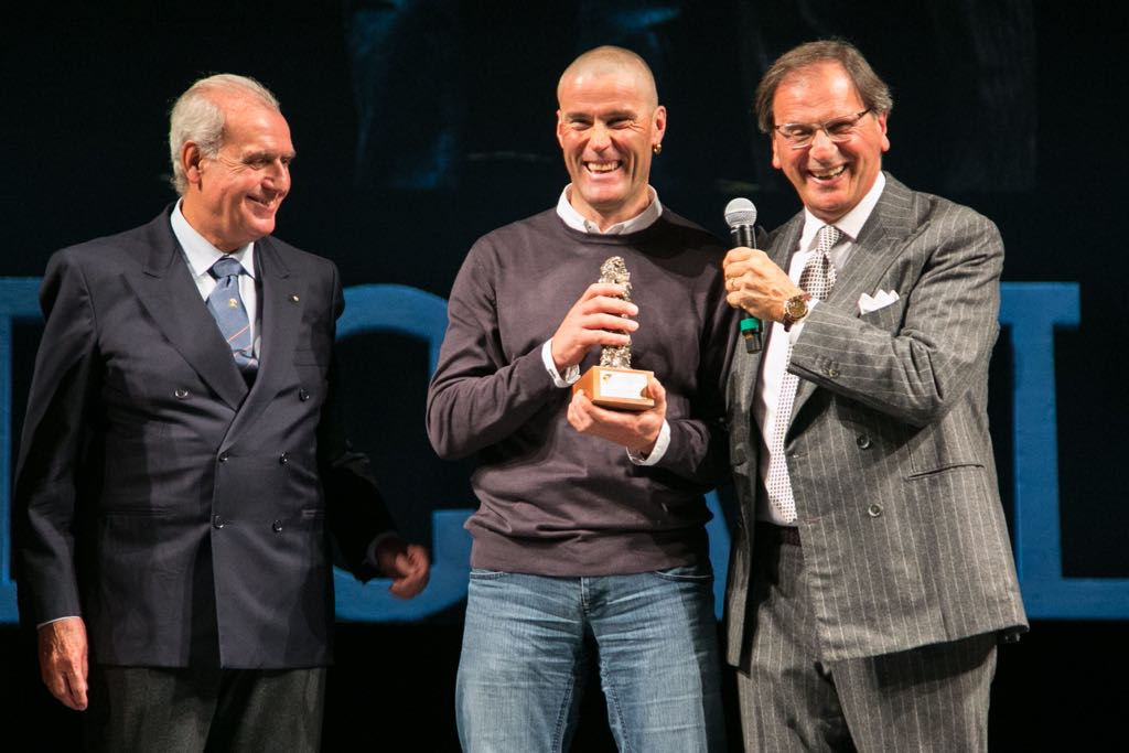 Photo of A Parma si premia lo sport: anche Marco Confortola sul palco