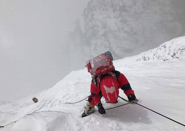 Photo of Lhotse parete sud: niente da fare per il coreano Sung Taek