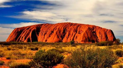 Photo of Australia: dal 2019 non si potrà più scalare o salire sull'Uluru