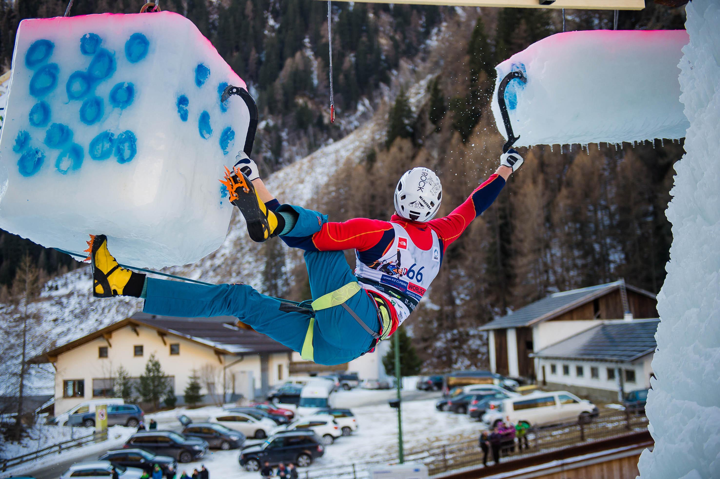 Photo of Gli assi dell'arrampicata su ghiaccio ritornano a Corvara
