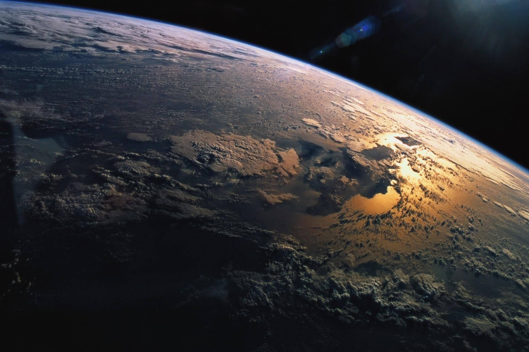 Photo of In orbita il satellite italo-cinese che potrebbe in futuro anticipare i terremoti