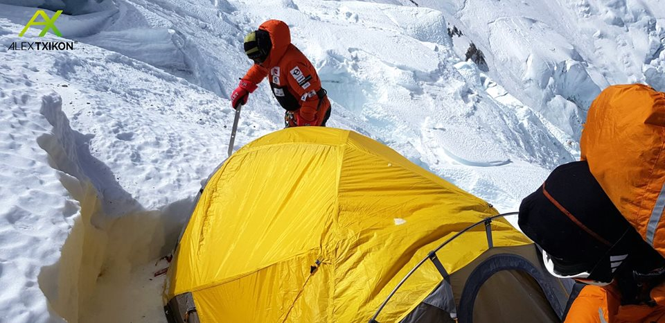 Photo of Txikon pone fine alla spedizione invernale all'Everest