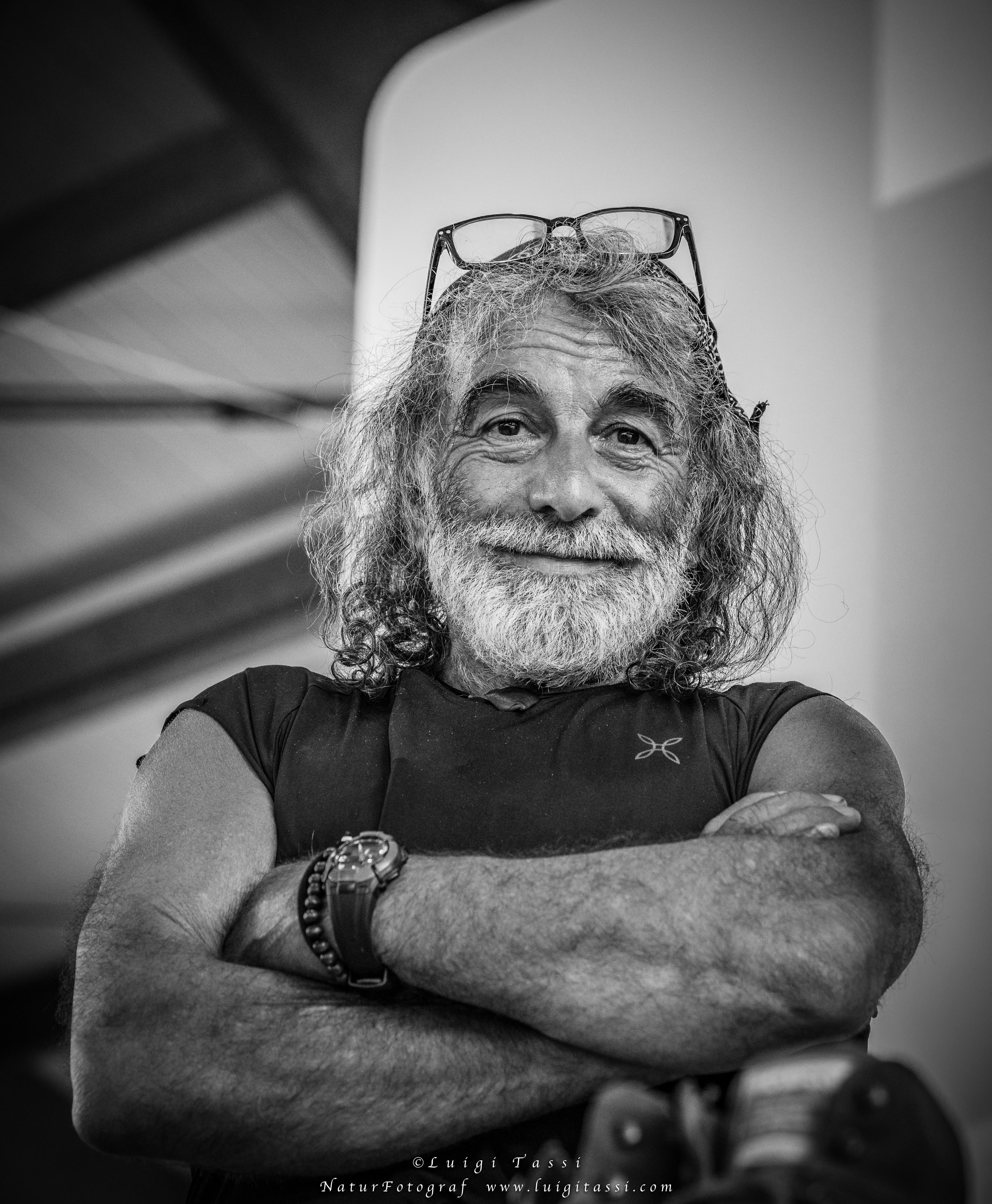 Photo of Mauro Corona: Di Maio un fantoccino, nessuno cambierà mai le cose