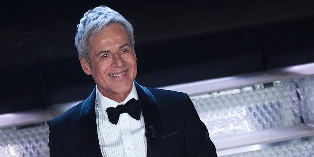 """Photo of Sanremo, Baglioni si scusa con gli Alpini ed intona """"Sul cappello"""""""