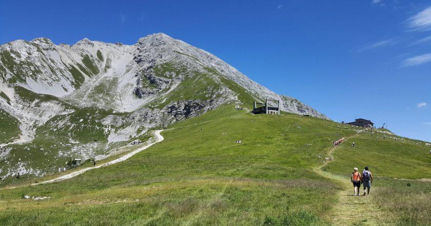 trekking, giornata mondiale della felicità, montagna, felicità