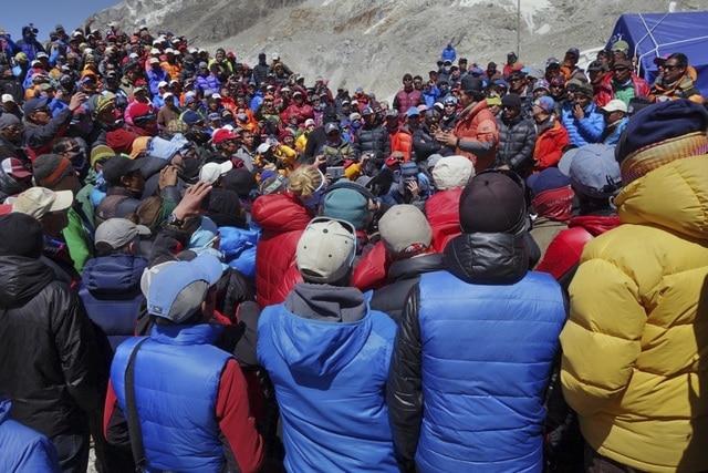 Photo of Nepal: 700 lavoratori d'alta quota potrebbero ricevere i certificati di vetta ques'anno
