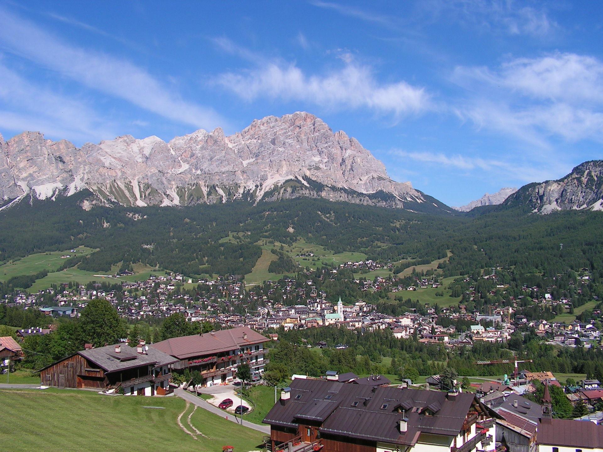 Photo of L'Alto Adige vuole Cortina D'Ampezzo, depositato ddl per l'annessione