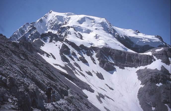 Photo of Precipita per 600 metri, muore alpinista sull'Ortles