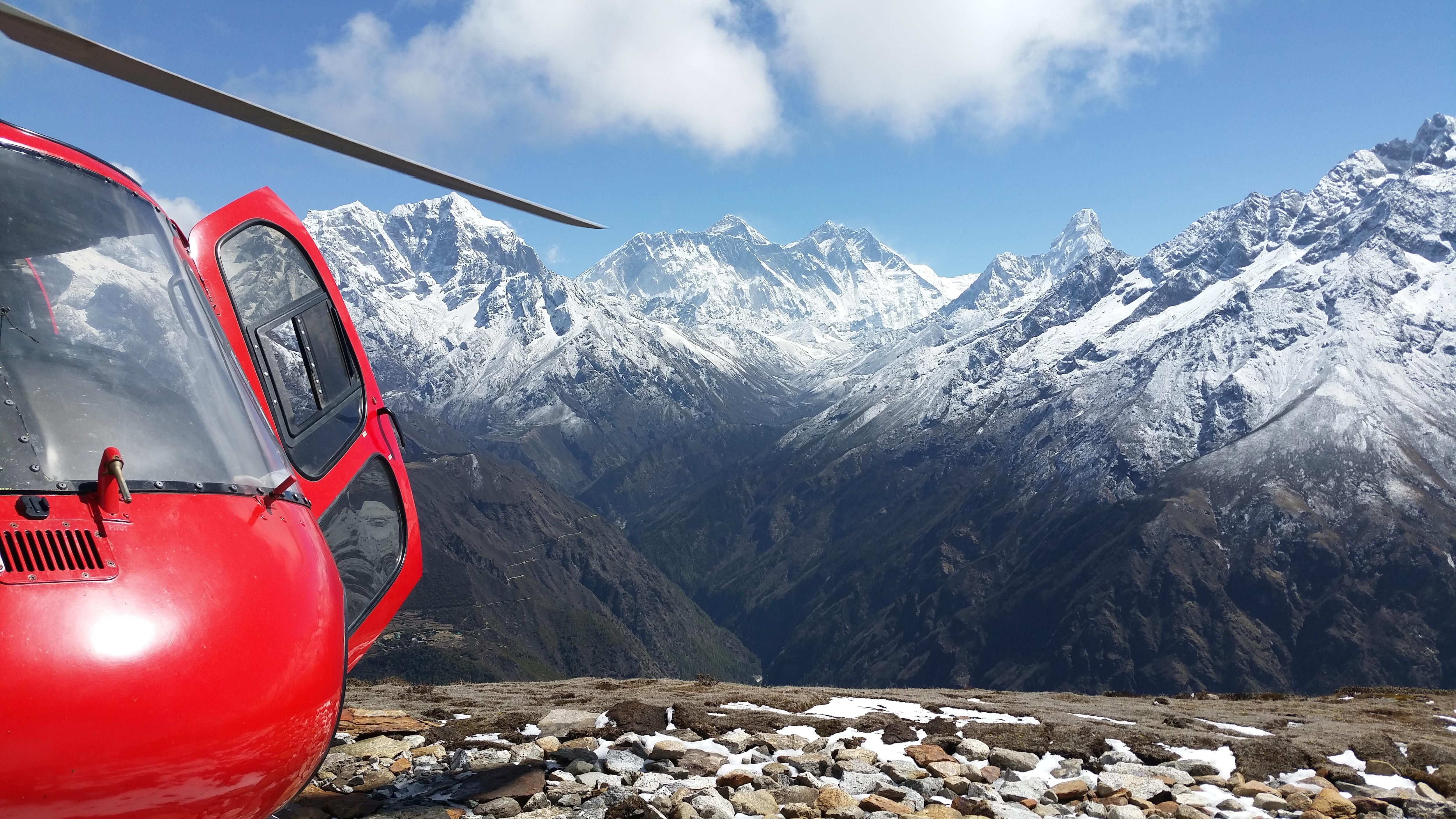 Photo of Solo in volo: l'elisoccorso in montagna, più in alto e più lontano