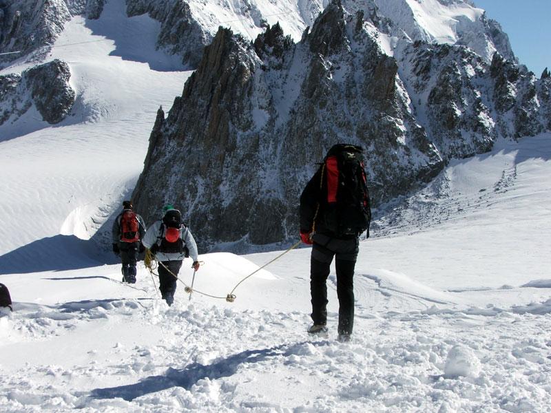 """Photo of """"Magistrati troppo severi"""", in fuga le guide francesi"""