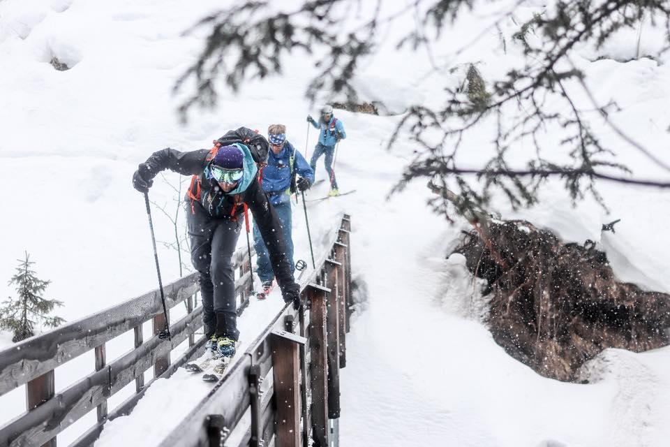 Photo of Traversata Alpi: valanghe, nebbia e polemiche complicano l'impresa