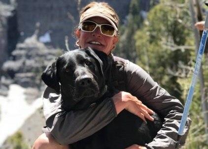 Photo of Paradossi della vita: morta cadendo dalle scale l'americana Charlotte Fox