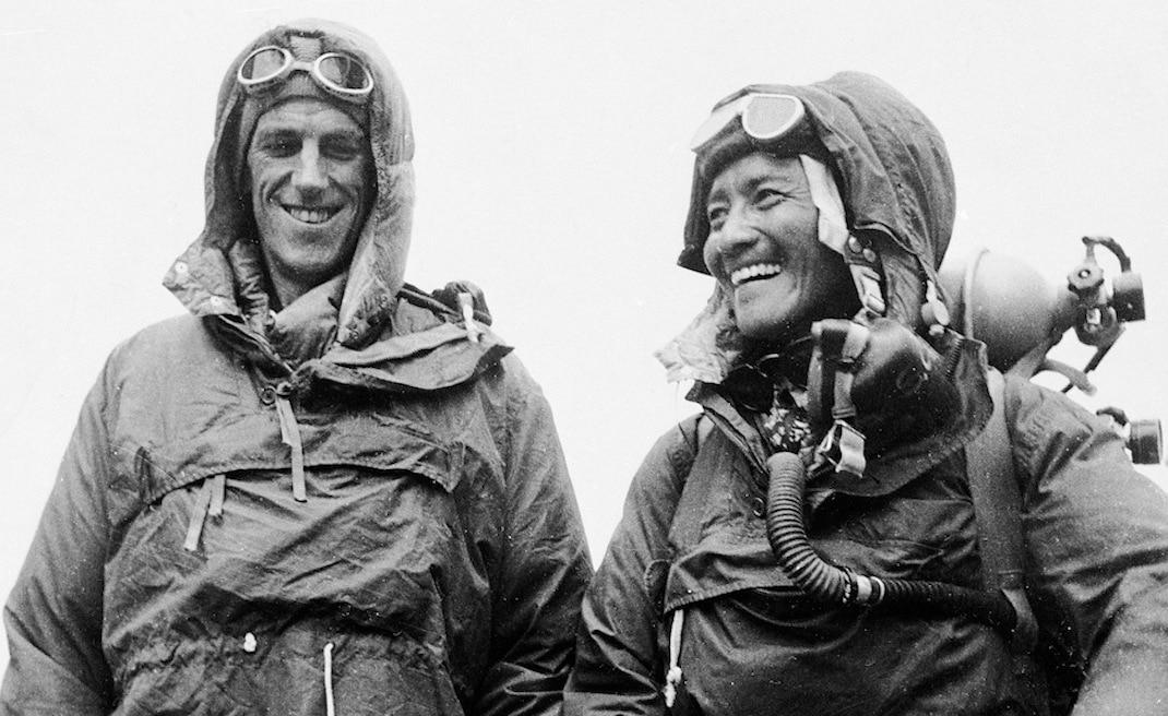 Photo of Everest: 65 anni fa Hillary e Norgay raggiungevano per primi il tetto del mondo