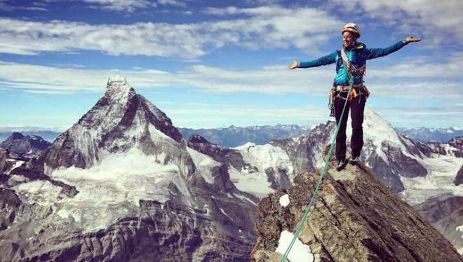 Photo of Liv Sansoz decisa a completare l'ascesa di tutti e 82 i quattromila delle Alpi in memoria di Ueli Steck