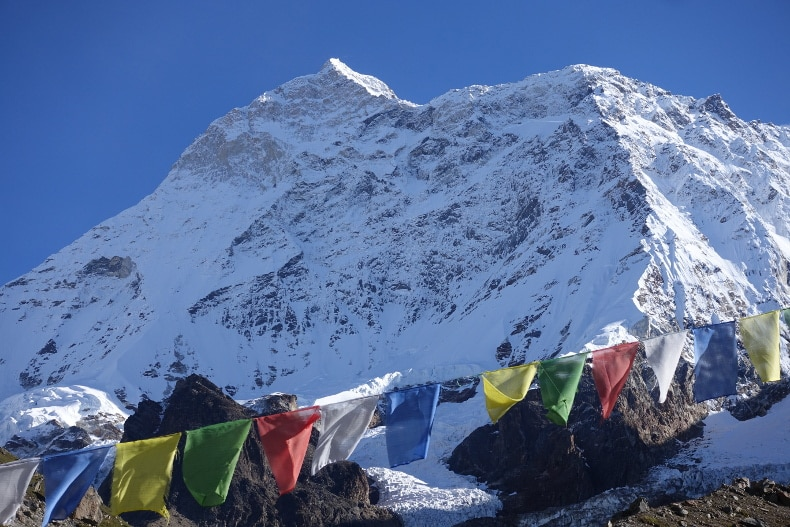 Photo of Muore uno sherpa sul Makalu