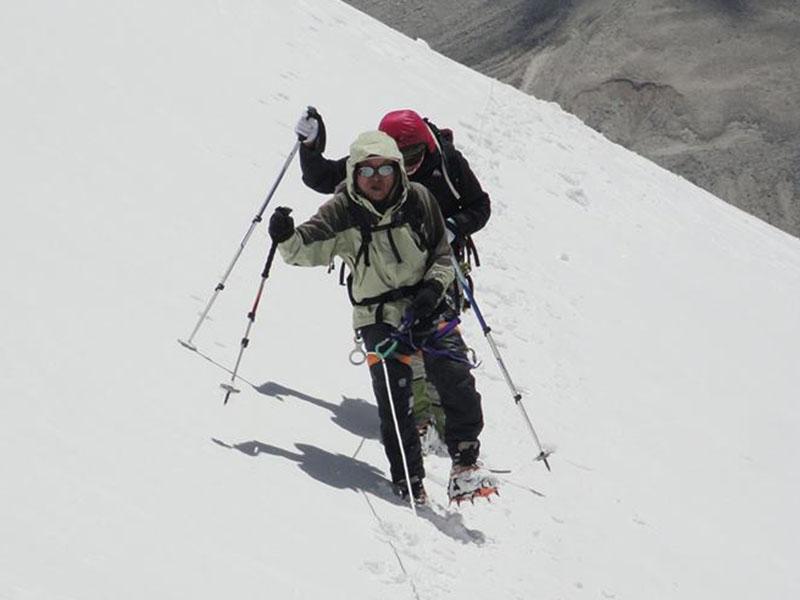 Photo of Ha 79 anni il più vecchio alpinista ad aver raggiunto la vetta del Lhotse