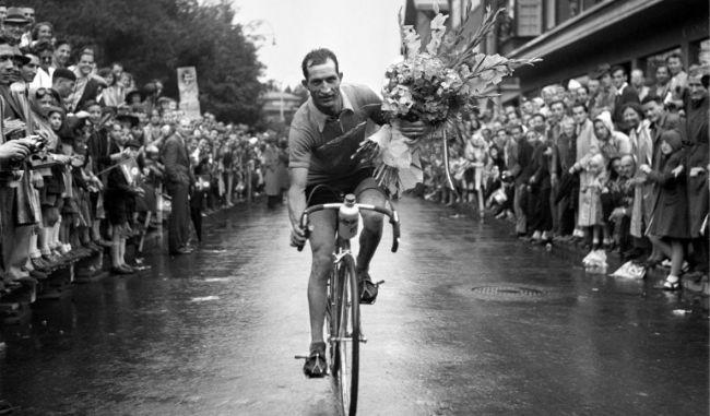 Photo of Il Giro d'Italia con Montagna.tv: tappa 11 in ricordo dei campioni