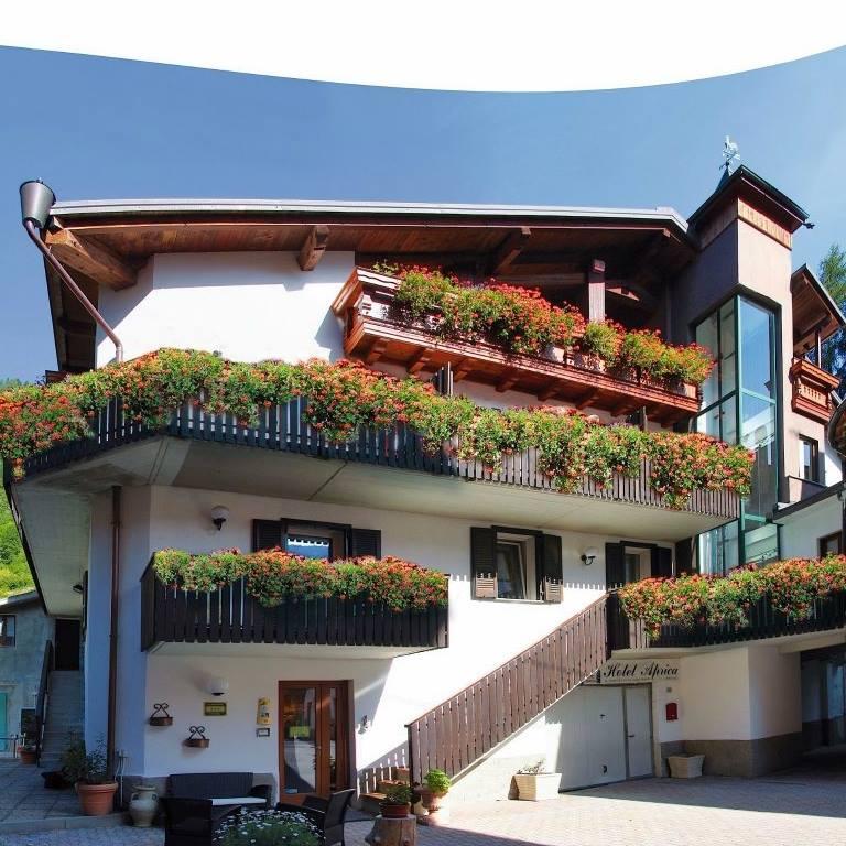 Photo of Hotel Aprica a misura di biker