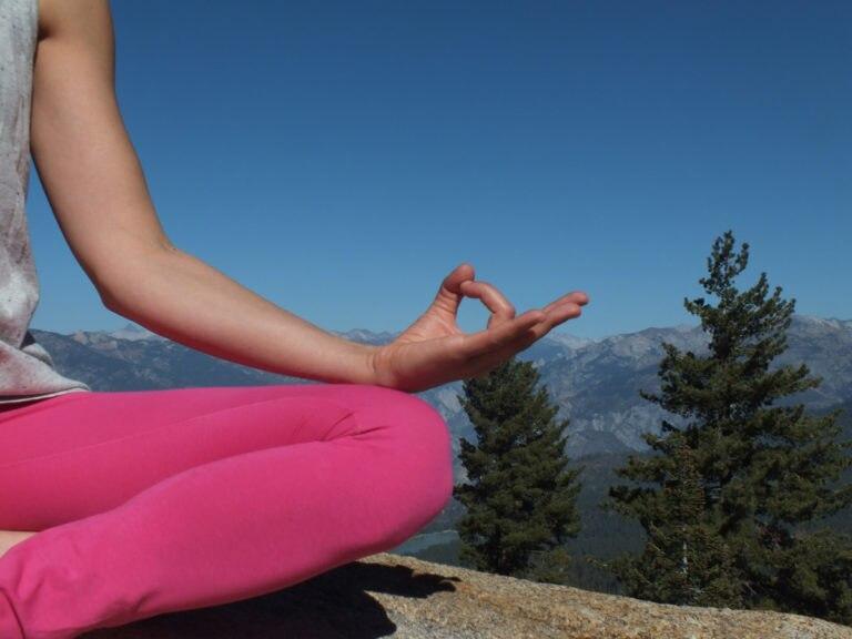 Photo of International Yoga Day: tantissimi i benefici per chi va in montagna!