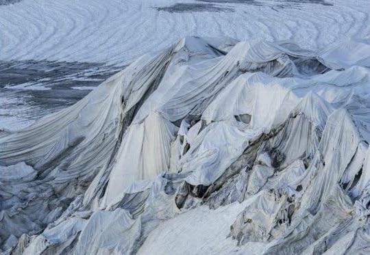 Photo of Arriva l'estate e i ghiacciai…si coprono