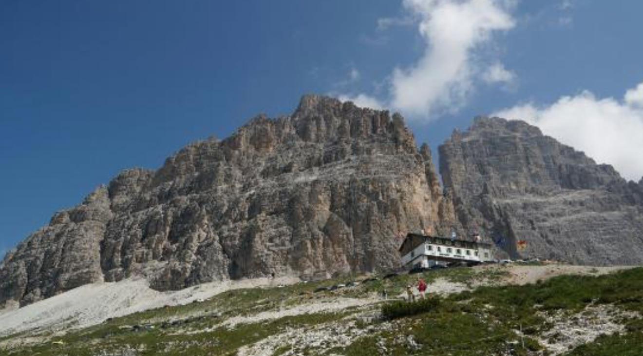 Photo of Alpinista muore precipitando dalla Cima Grande di Lavaredo