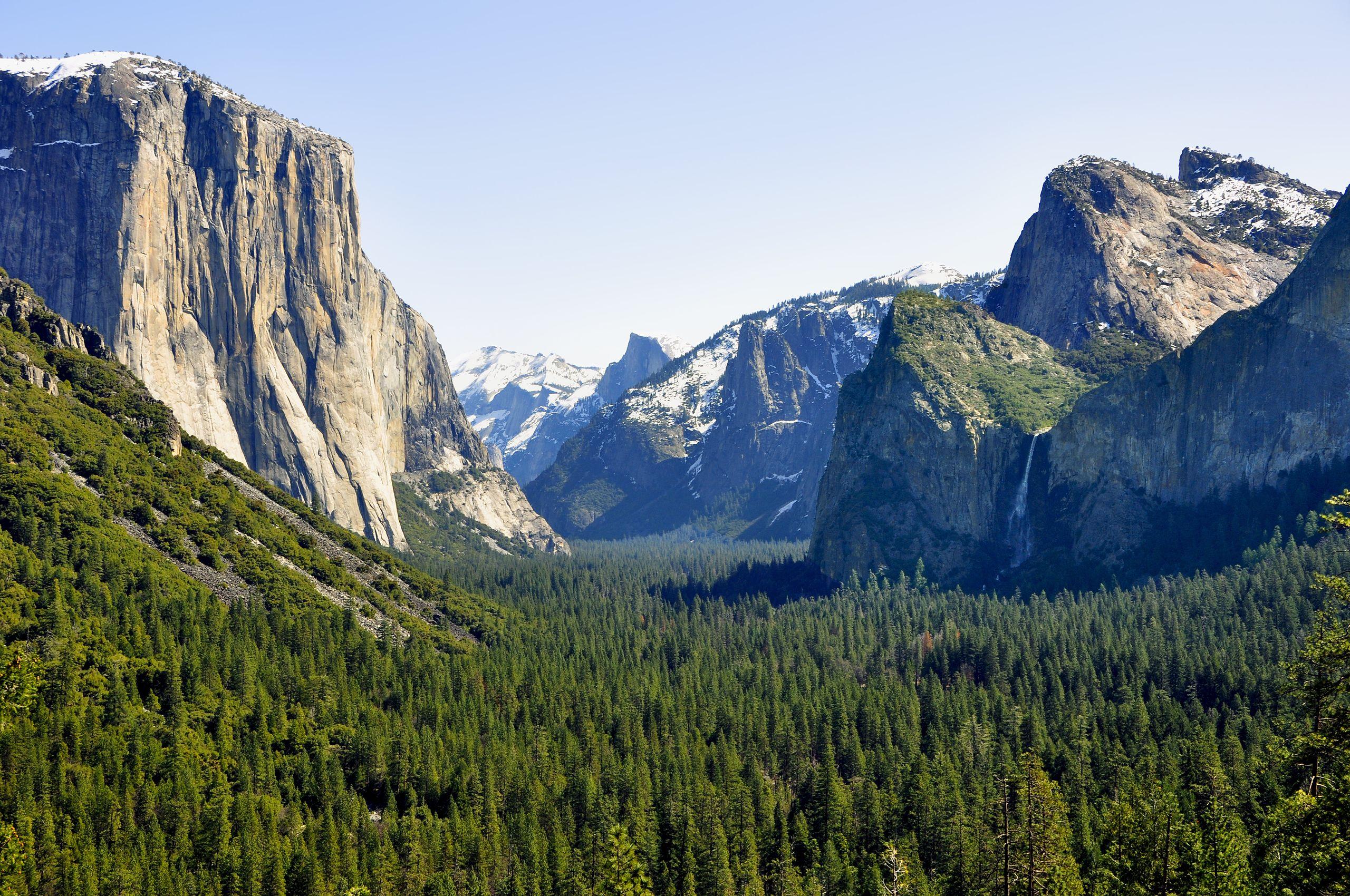 Photo of Incendi, chiude la Yosemite Valley