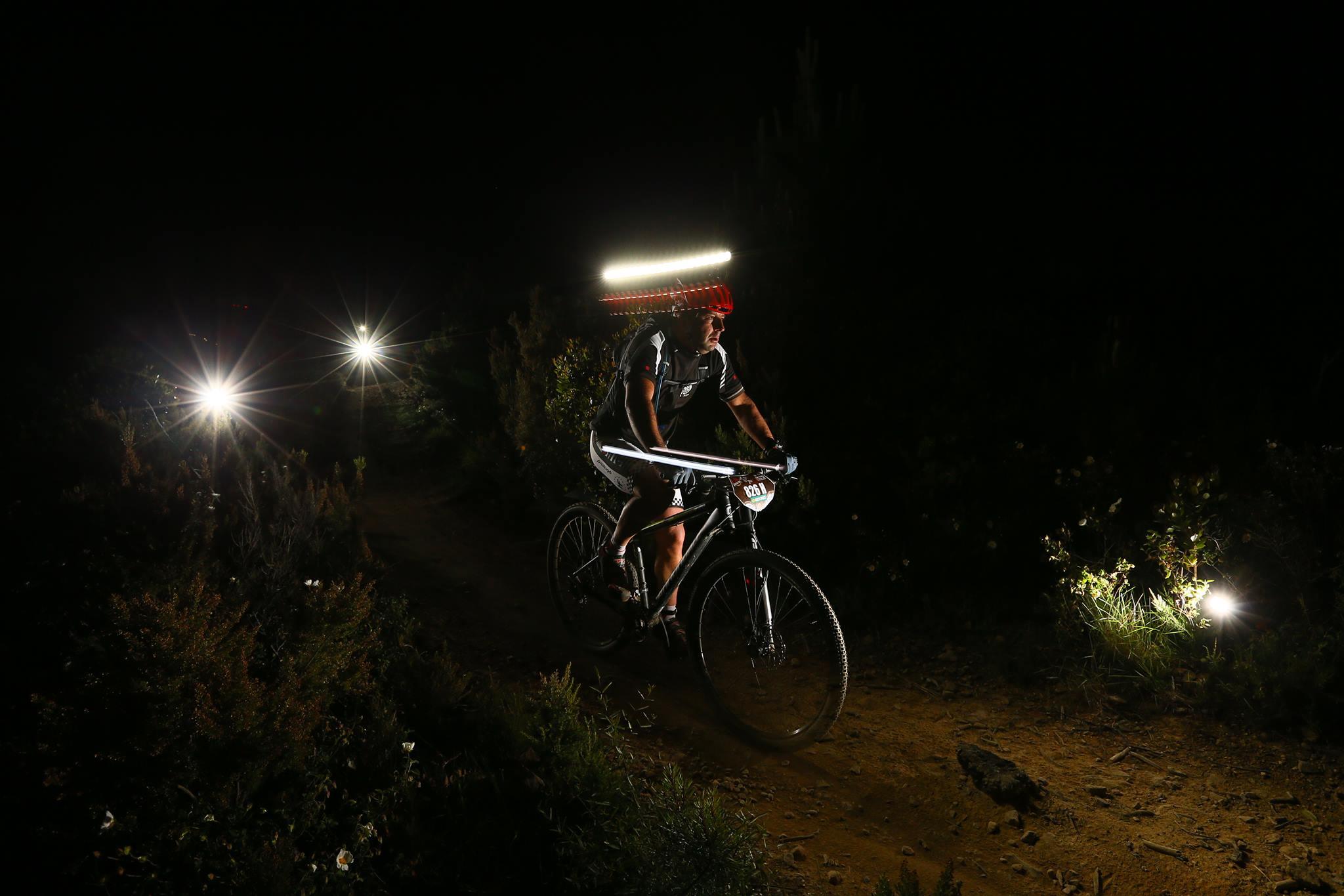 Photo of Pedalata notturna, più divertente grazie alla E-bike