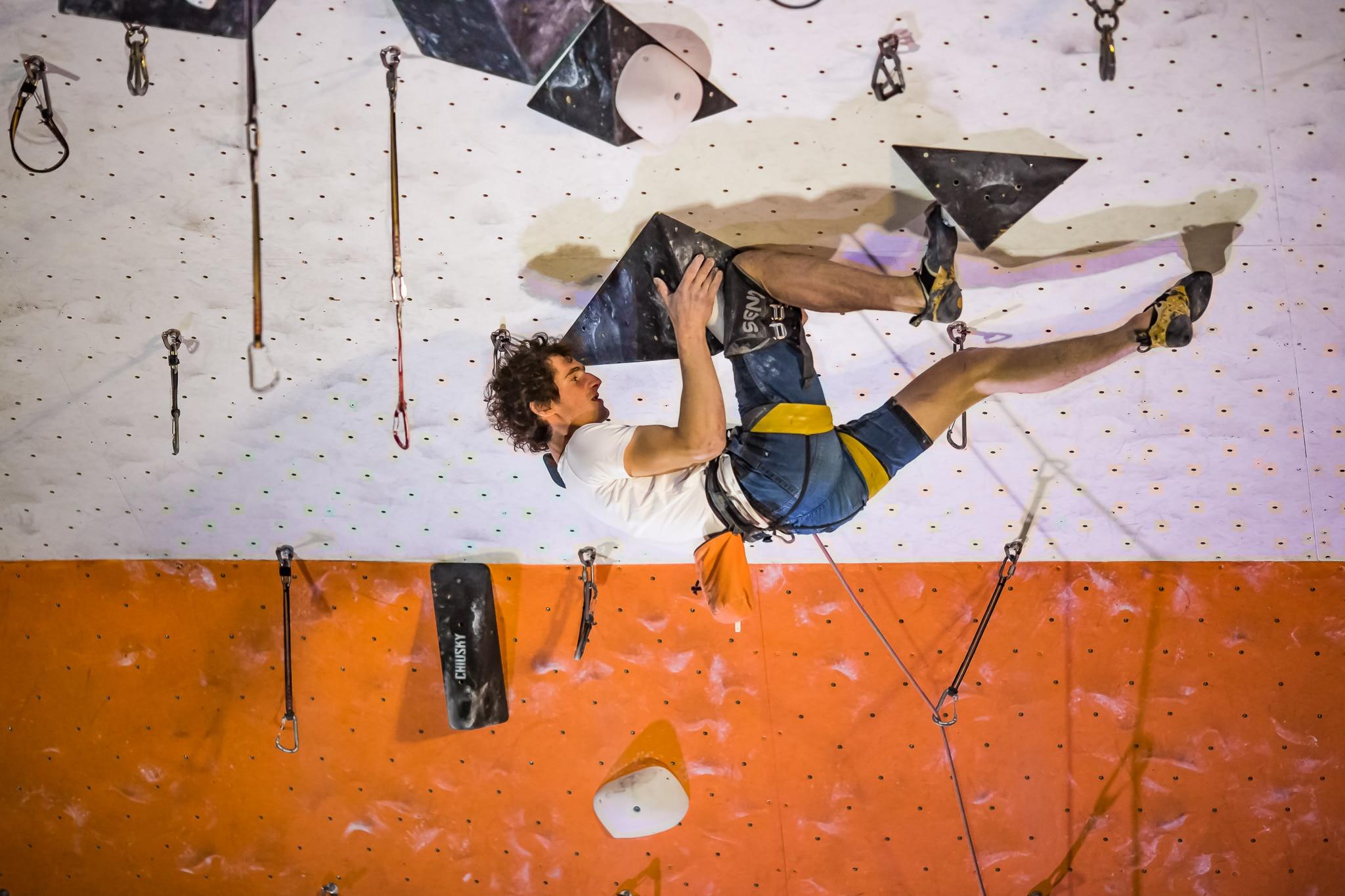 Adam Ondra, arrampicata