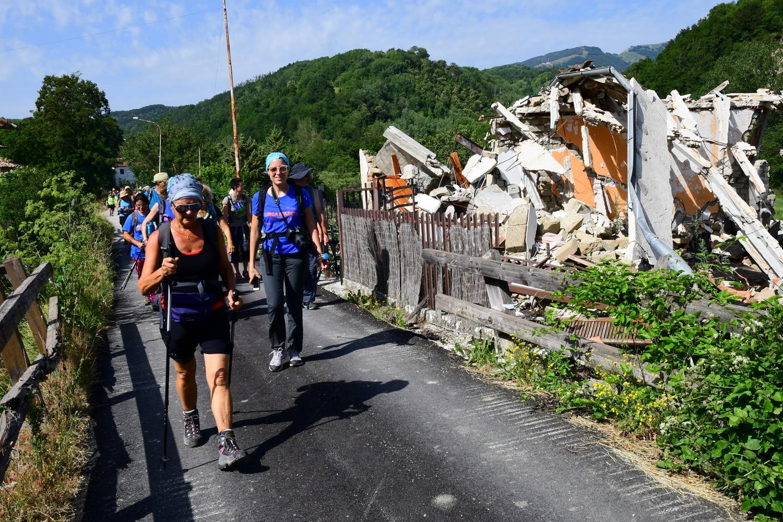 terremoto, appennino, marcia nelle terre mutate