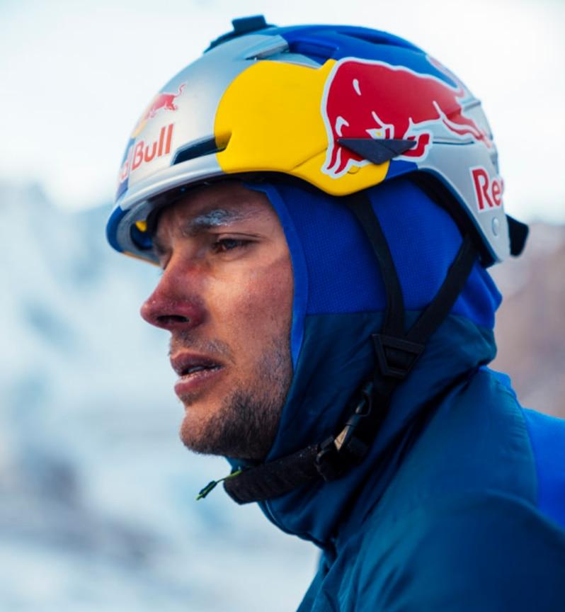 Photo of È vetta sul K2 per Andrzej Bargiel, ora si scia!