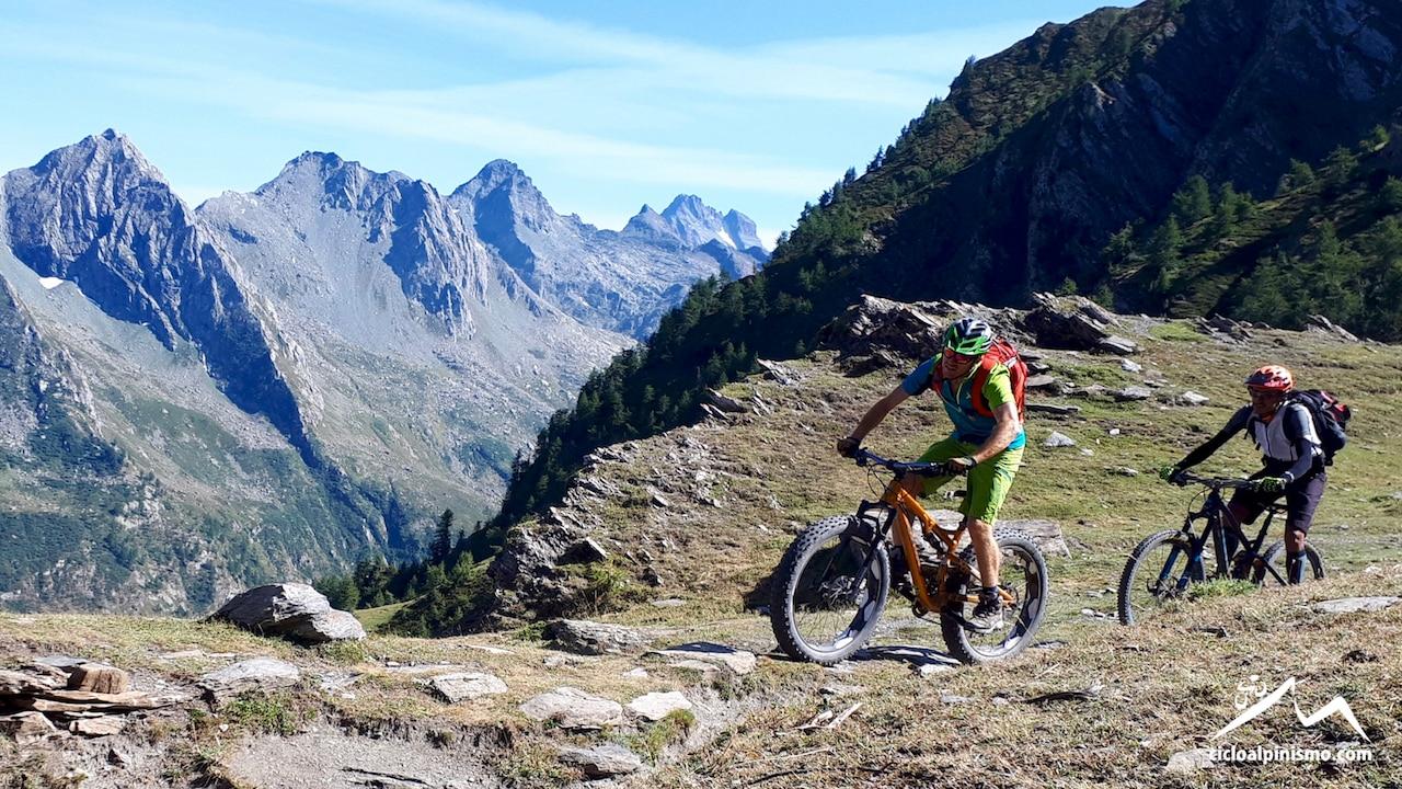 Photo of Cicloalpinismo: giro del Pelvas nel paradiso dei biker!