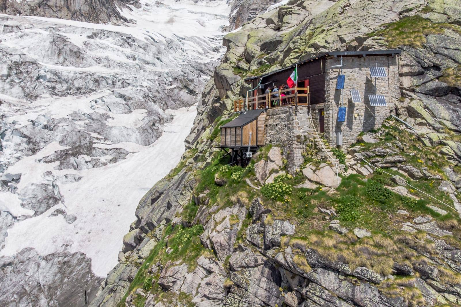 Photo of Val Ferret, riaperta la strada fino a Planpincieux. Il rifugio Boccalatte è aperto e il sentiero percorribile
