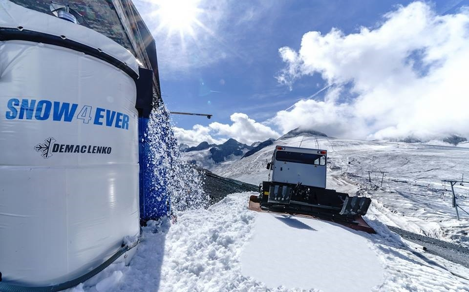 Photo of Sullo Stelvio un impianto innovativo fornisce neve artificiale tutto l'anno